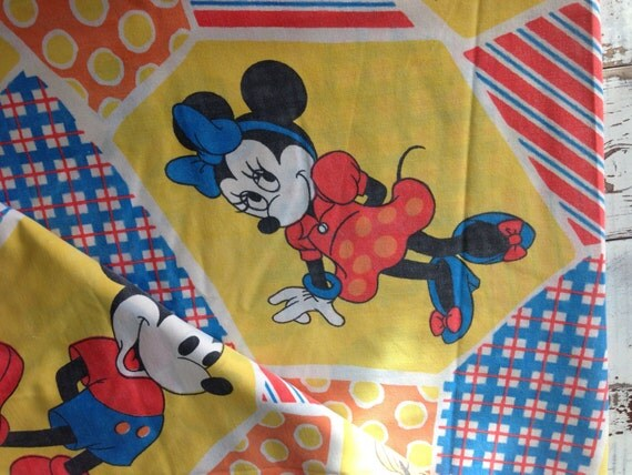Mickey Mouse themed bedroom decorating ideas - Mickey