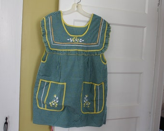 Sweetest Maternity Smock Apron. Gingham.