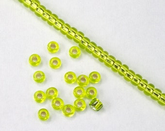 8/0 Silver Lined Chartreuse Seed Bead (40 gram) #JCP004