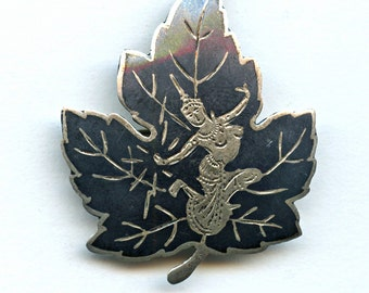 Sterling Maple Leaf Niello Brooch Black Siam Thailand Silver Etched Pin 1032