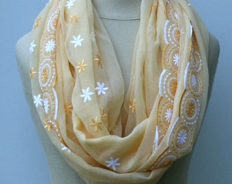 Bohemian embroidery Infinity Loop scarf Eternity scarf circle scarf handmade from Indian dupatta scarf light yellow Boho