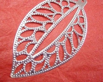 24pc silver finish leaf iron pendant-w4130x4