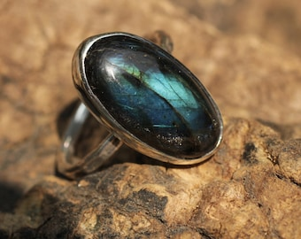 Oval labradorite ring in sterling silver band