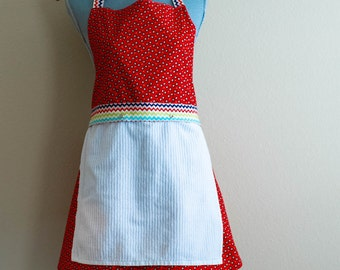 SALE Ready to ship- Snap To It Apron with REMOVABLE Dishtowel - FULL Kitchen Apron for Women - Lola