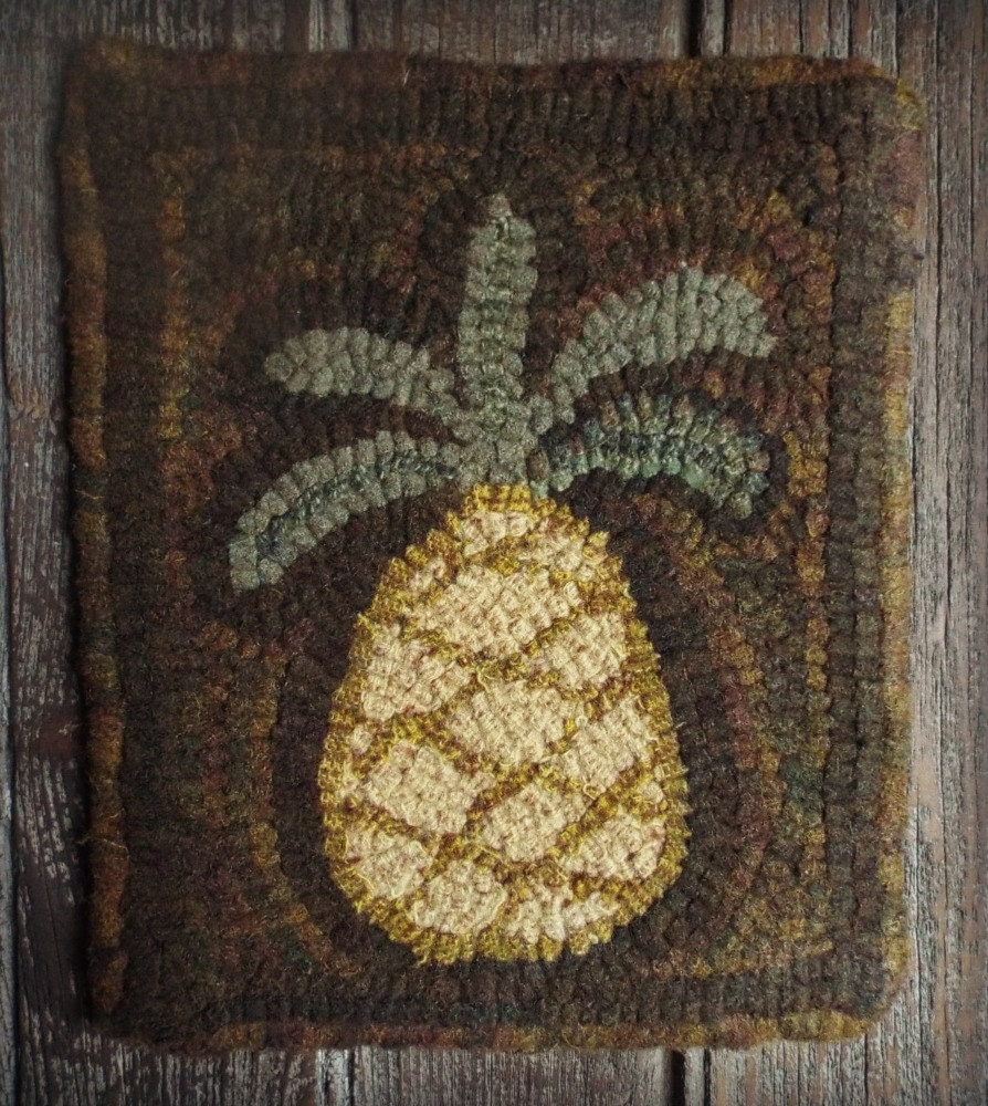 Rug Hooking Designs Primitive: Rug Hooking Primitive Pattern On Monks Cloth Simple Pineapple