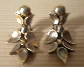 Vintage Crown Trifari dangly clip-on earrings