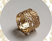 Lilibet lace ring in 14k solid gold- size 7 in stock Ready to ship