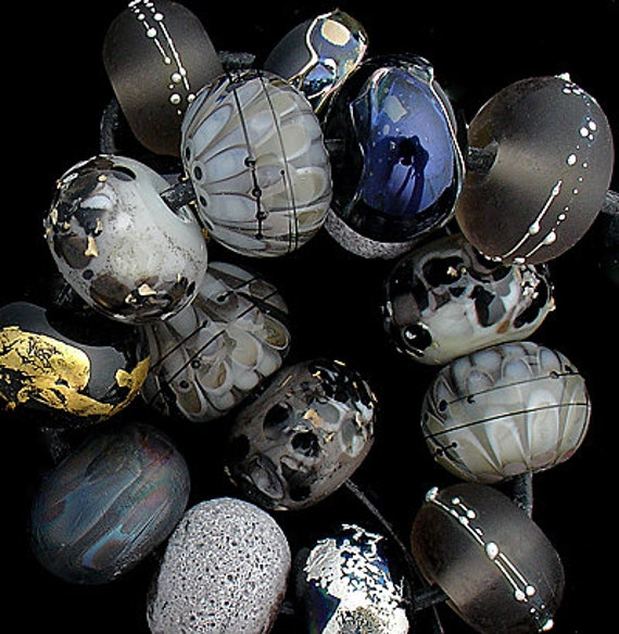 DSG Beads Handmade Organic Lampwork Glass - Made To Order (Black Cat)