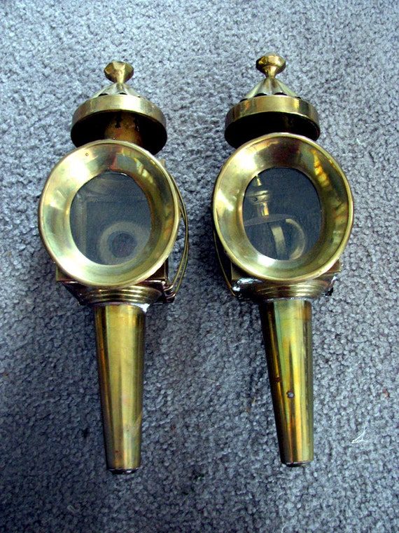 Wall Lamps Etsy : Items similar to Antique brass wall mount kerosene lamps authentic on Etsy