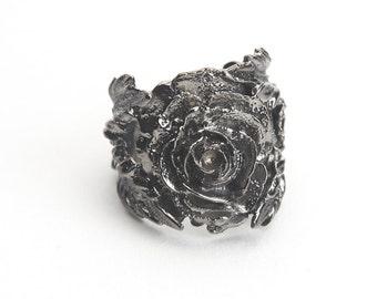 Flora & Fauna Rose Ring