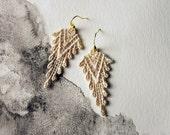 boho earrings ivory lace // SAZIA // lace earrings / geometric earrings / statement earrings / dangle earrings / tribal modern, hippie