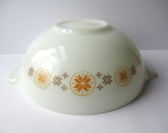 Vintage Pyrex Large Town and Country 4 Quart Cinderella Mixing Bowl