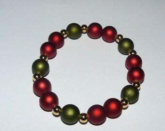 Holiday Wreath Christmas Bracelet