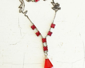 Vintage RED open back stone necklace - silver chain - art deco - red stone clasp