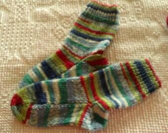 Hand Knit  Wool Socks  Womens Size Medium 7-9  Fiesta