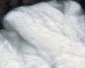White Lambs Wool Mixed Breed Roving Spinning 4 ounces A fleece