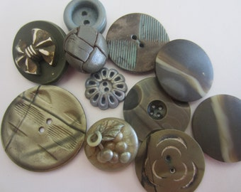 Vintage Buttons - Cottage chic mix of brown and blue, lot of 10, celluloid and acrylic, old and sweet( apr 151)