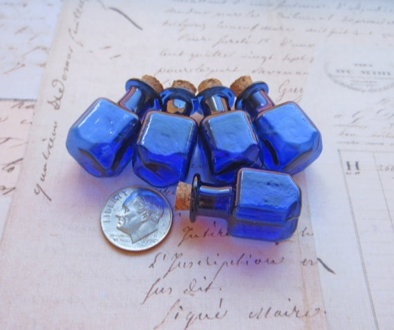 Miniature small blue colored glass bottles with cork cube for Colored glass bottles with corks
