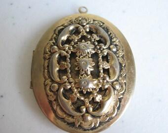 Vintage Large Oval Gold Tone Metal Floral Locket Pendant