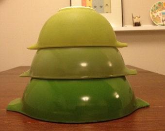 Vintage Set of 3 Green Pyrex Bowl  Cinderella #442 #443 #444