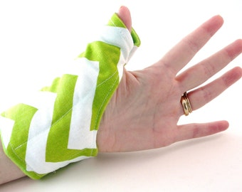 Wrist Thumb Wrap for Thumbs, Microwavable Heating Pad, Hot Cold Pack, Thumb Warmer, heat for carpal tunnel, tendonitis, green
