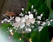 Wedding Hair Vine with Pearls Rhinestones, Bridal Hair Comb, Custom Pearl Flower Comb Head Piece, Winery Garden Boho Comb