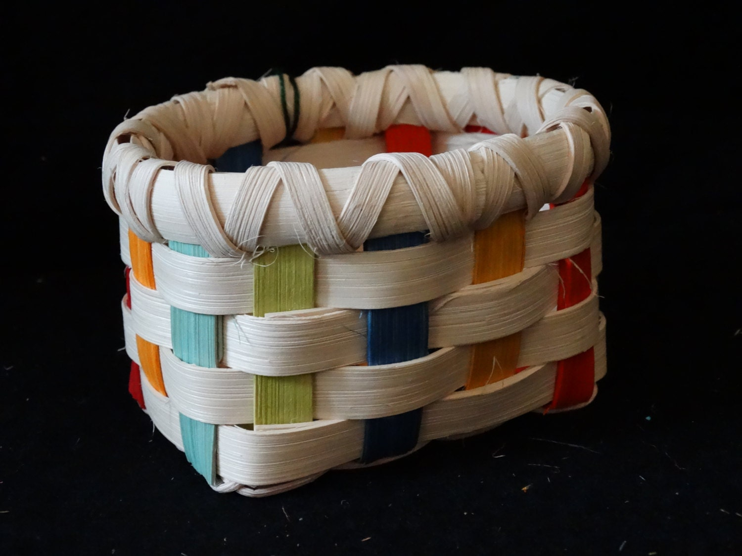 How To Hand Weave A Basket : Small hand woven basket in multi color and white or natural