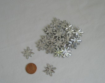 SILVER SNOWFLAKES Lot of 24 Favorite Findings Silver Snow Reflections Snowflake Buttons