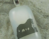 Handmade White with Black Silohuette Horse Fused Glass Pendant Necklace Jewelry Fashion Accessories Bling A116B4