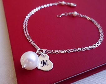 Natural pearl bracelet, initial bracelet, Personalized Bridesmaid gifts, heart charm, freshwater pearl bracelet, Mother's bracelet