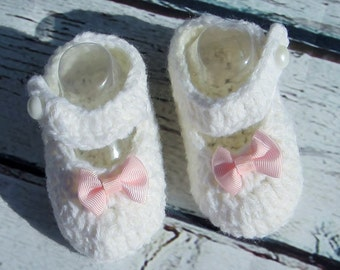 Baby girl booties pink bow crochet white booties pearl button baby shoes infant mary jane Easter