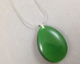 Cats Eye Green Pendant Necklace, Sterling Silver Green Pendant Necklace, Green Pendant Necklace, Green Cats Eye Pendant, Layer Necklace