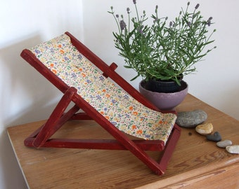 Lounge chair vintage children's toy, beach folding chair, canvas chair with wooden frame, doll's beach chair