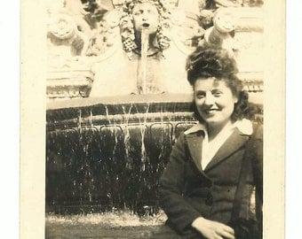 Pretty Woman vintage photo Big Hair Statue Fountain 1940s - 50s snapshot