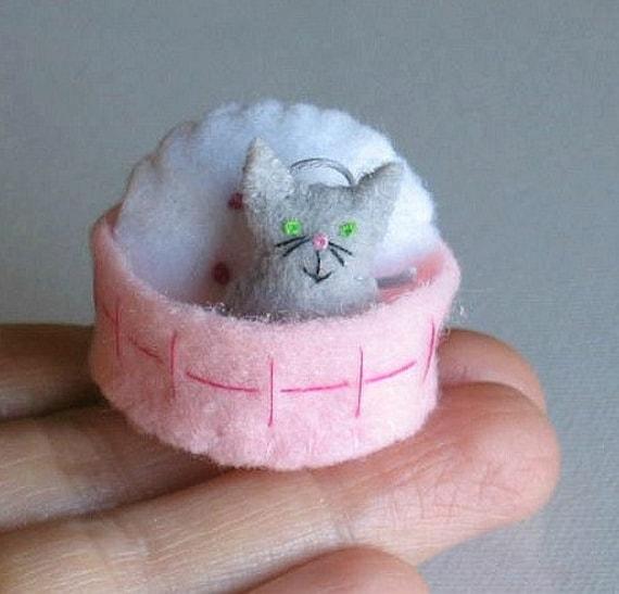 Gray cat miniature felt plush with stiffened felt basket and pillow play set