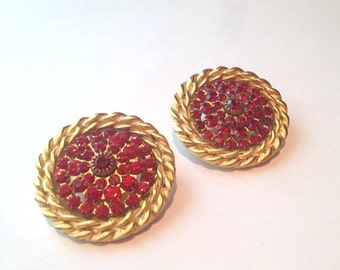 Awesome 80s Huge red rhinestone gold clip on earrings