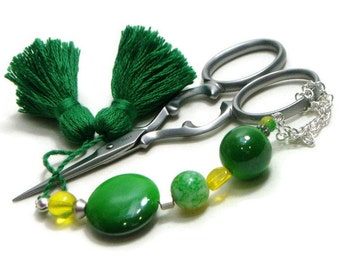 Scissor Fob Beaded Green YellowNeedlepoint Sewing Quilting Cross Stitch