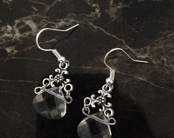 Clear teardrop dangle earrings