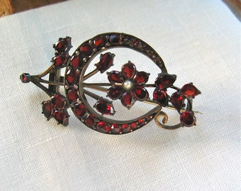 Bohemian Garnet Brooch Flat and Rose Cut Stones Victorian Era,Silver with Gold Wash Setting