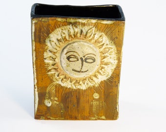 "Modernist Studio Pottery Vase with Sun Design ""The Time To Be Happy Is Now"""