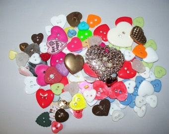 100 Heart Shaped Buttons, Lot 2661  (Free US Shipping)