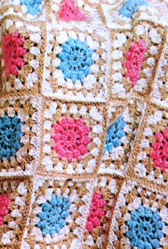 Beginner Crochet Patterns Granny Square : Crochet Granny Squares / PDF Pattern / Beginners