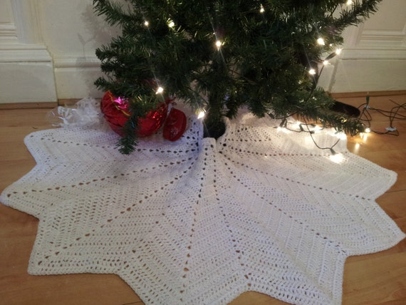 Crochet Xmas Tree Skirt : Christmas Tree Skirt - crochet tree skirt lace tree skirt Christmas ...