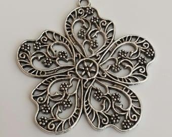 4 pcs - Antique silver large filigree flower metal pendant - lead, nickel and cadmium free