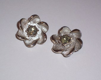 Vintage Earrings - Clip Ons