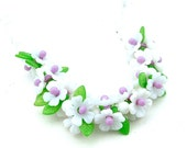 Boho Flower Necklace, Vintage Floral Lavender White Daisy Chain Beaded Plastic Garden Nature Jewelry