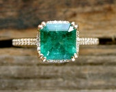 Elegant Emerald Engagement Ring in 14K Yellow Gold with Diamonds and Scrolls Size 6