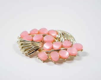 Pink Moonstone Pin / Soft Luster / Brooch with pink stones and gold tone metal / Vintage pin / Valentine / gift / Spring / Mother