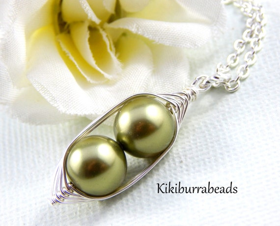peas in a pod, Two Peas In A Pod Silver Necklace, Wire Wrapped necklace, Green Peas in a pod, mother necklace, sister necklace, best friends