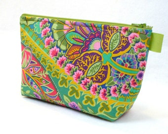 X Large Cosmetic Bag Kaffe Fassett Fabric Zipper Pouch Padded Makeup Bag Cotton Zip Pouch Jungle Paisley Emerald Green Colorful Bag MTO